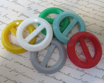 Lot of 6 vintage plastic slide buckles from the 1940s era - pretty colors