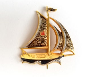 90s Jewelry Vintage Sailboat Pin 90s Vintage Brooch Nautical Pin Gold Sailboat Pin Vintage Lapel Pin Sailing Pin 90s Gold Lapel Pin 90s