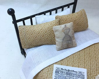 Miniature Dollhouse Duvet Bedding Set - Gold and Creme Graphic -Queen/Double