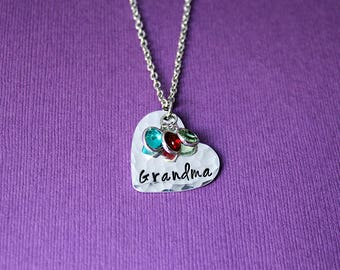 Hammered Heart Grandma Necklace with Birthstones - Personalized Grandma Birthstone Necklace - Grandkids Brithstones Necklace - Grandma Gift