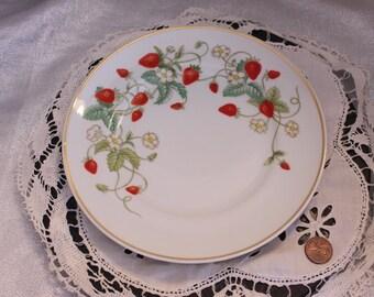 Beautiful Set of 4 Vintage Bone China Strawberry Porcelain Plates by Avon 1978