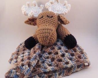 Crochet Moose Lovey, moose baby blanket,pram blanket, amigurumi, baby gift, sleepy moose, baby shower gift, camo