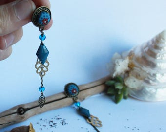 Earrings chips and long tassels. Triple feather. Liberty Blue and Red