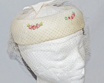 ON SALE: Beautiful Vintage Ring Hat or Fascinator - White with Embroidered Roses and Veil, Wedding Hat
