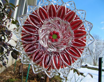 Glass Plate Flower, Yard Art, Outdoor Decor, Upcycled, Repurposed, Recycled  Glass