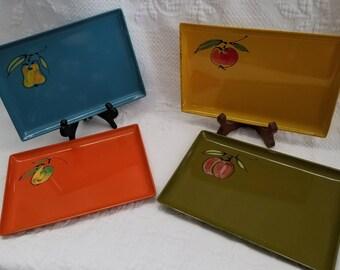 Vintage DAVAR Lacquer Ware trays set