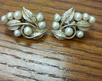 Vintage Coro Gold Leaf and Pearl Screw Back Earrings circa 1950