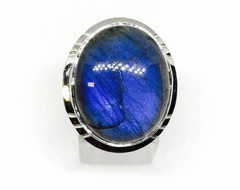 10% Labradorite, moonstone ring set in sterling silver 92.5. Size -10. Natural authentic stone.