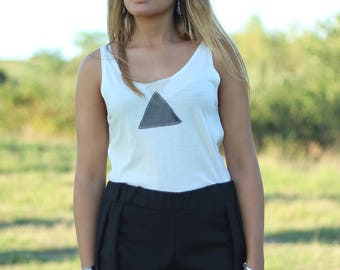 Summery Ivory jersey tank top with triangle shaped details