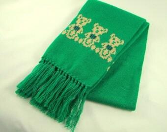 vintage 80s teddy bear scarf by Dotty Smith - kelly/christmas green - sweater knit w fringe