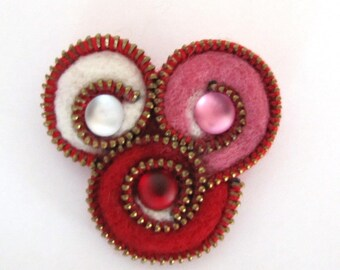 Abstract cobochons felted brooch