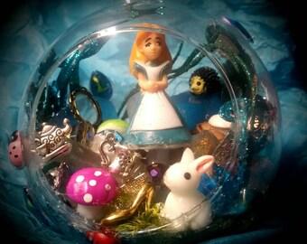 Alice in Wonderland, Alice Inspired Globe