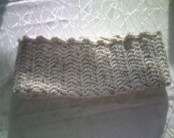 Snood, col tube, cache-cou ou col cheminée amovible.en laine Shetland beige chiné, crochetée mains, point fantaisie, taille unique, mixte.