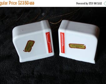 Summer Sun Sale Retro Art Deco Salt and Pepper Shakers - Red and White