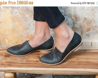 Textured Leather Shoes / Flat Black Leather Shoes / Women Shoes / Every Day Shoes / Comfortable Shoes / Wooden Heels Shoes - Shelly