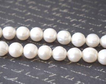 2 Freshwater Pearl type 10-11mm white Keishi