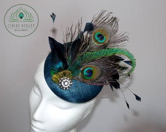CAREY - Vintage teal peacock feather cocktail pillbox hat - Jade turquoise peacock fascinator - Green sinamay peacock Ascot Derby races hat