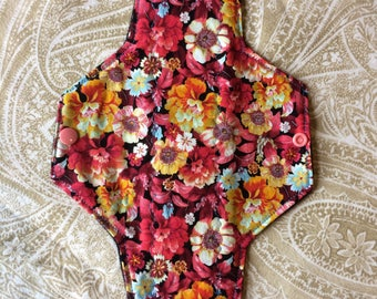 Regular Flow Pad 9.5 Inches Bouquet of Flowers