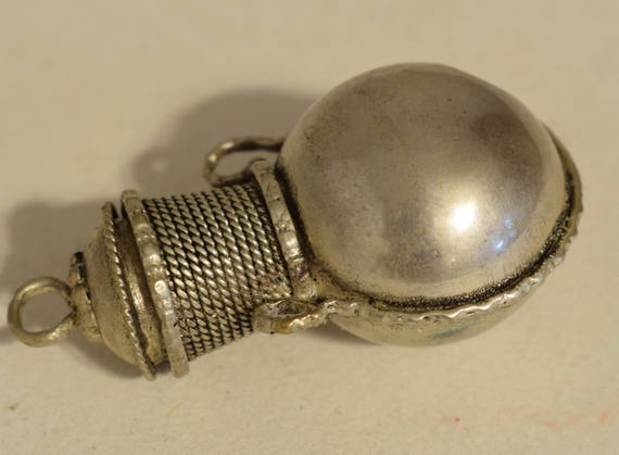 Beads Nepal Bottle Silver Perfume Snuff Jewelry Pendant Necklace Coin Silver Bottle