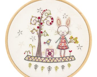 "Embroidery Kit ""walk in the Woods"""