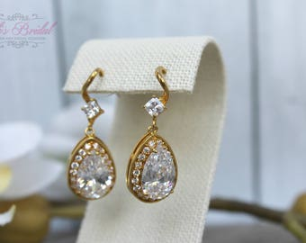 FAST SHIPPING! Beautiful Gold Zirconia Earrings, Bridal Zirconia Earrings, Mother of the Bride, Bridesmaid Earrings, Sweet 16 Earrings, Gift