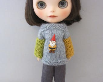 Blythe - Cute sweater with a little dwarf for your Blythe doll - handmade - hand knitted - Custom Blythe
