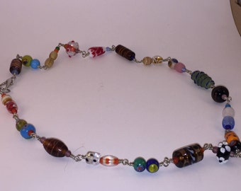 Colorful bead link necklace