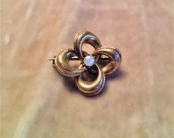 Faux Pearl Victorian Knot Pin