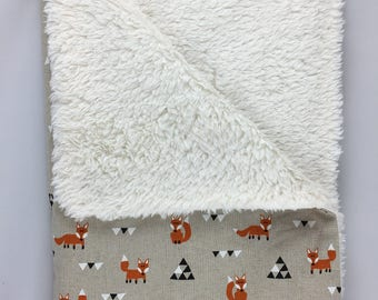 Triangular Foxes baby blanket by Calico Clouds
