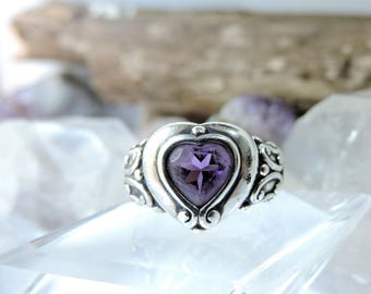 Purple Stone Sterling Silver Ring Size 8