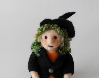 Halloween Witch figurine, wool soft sculpture, Halloween decor, Fall decoration, needle felted wool,  felted fantasy art doll