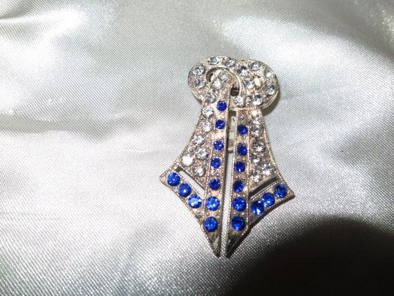 Beautiful vintage Deco silver metal blue rhinestone dress clip