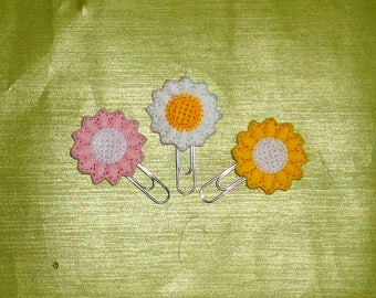 Set Of 3 Daisies Flower -  Book - Paper Clip  Felt Planner Clip - Planner Accessory - Stationery - Cute Paper Clip - Bookmark - Planner Clip