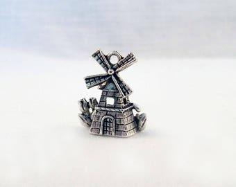 BMU18 - Charm pendant antique silver windmill vintage Holland Netherlands Amsterdam