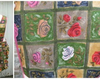 50s 60s Vintage Full Pinny Apron Roses Print in Cotton with Pink Trim and Frills