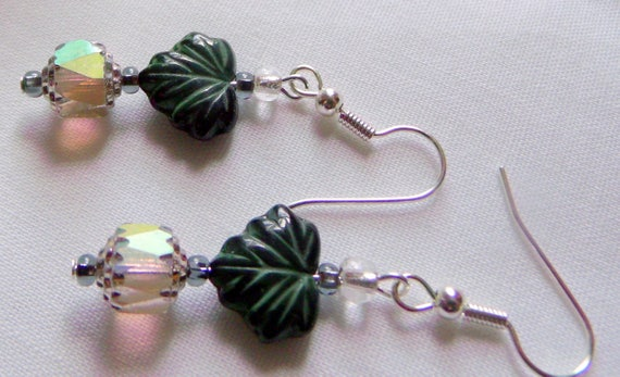 Maple leaf fall earrings - honey -  green short dangle  - nature - garden - tree -  oval black jewelry - bronze crystals - Lizporiginals