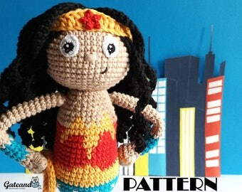 PATTERN Wonder Woman amigurumi - 2 PDF Spanish & English - Crochet doll