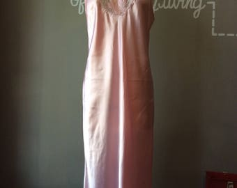 Vintage 1960's Pink Nightgown / 60s Bubblegum Slip / 1960s Floor Length Lingerie / 60's Pin Up Classic Chic Mod / Unique Gift Ideas for Her