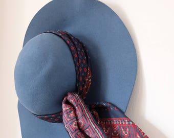 1970s vintage blue wool felt fedora hat with silk patterned handkerchief - Bermona Trend London - Boho Bohemian Seventies