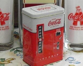 Coca-Cola Bottle Vending Machine Shaped Collectible Tin Box, Drink Coca Cola in Bottles, Coke Advertising Memorabilia, Retro Lunch Counter
