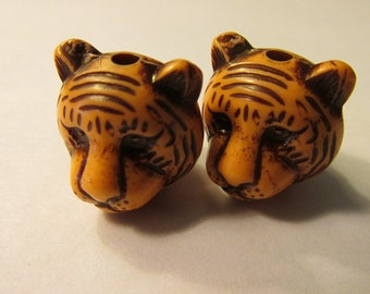"Orange Plastic Resin Tiger Head Bead with Brown Lines, 3/4"", Set of 2"