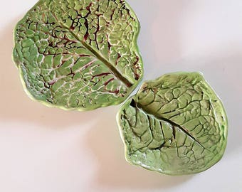 Collection of two ceramic cabbage leaf plates / / flat cabbage leaves / / fruit dishes / / saucer leaf / / ceramic fruit