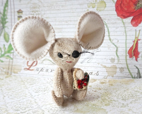 Cute Mouse, Mouse Toy, Little Mouse, Tooth Fairy,  Mouse, Woodland Animal, Mouse Figurine, Stuffed Mouse, Soft Toy, Art Doll, Plush Doll