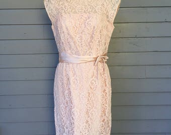 1950s Pink Lace and Satin Sheath Dress by R&K Originals Size 6 Small