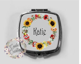 Personalized Compact Mirror//travel mirror//beauty accessory//bridesmade gift//unique//hand mirror//mothers day gift