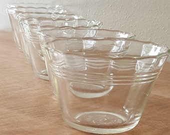 6 Vintage Pyrex Custard Cups~5 oz Pyrex Clear Glass Custard Cups~(3) 3 Ring Clear Bowls+(3) Ringless all with Scalloped Edges~Ramekin Cups