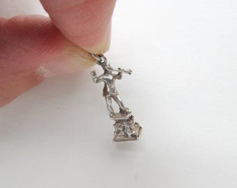 Pied Piper charm, Sterling Silver bracelet charms of the pied piper of Hamelin