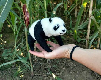 Moving panda, sculpture, animal, felted, decoration, China, felt, bear, very special gift, Filztier, Filzfigur, figure, Asia, zoo,