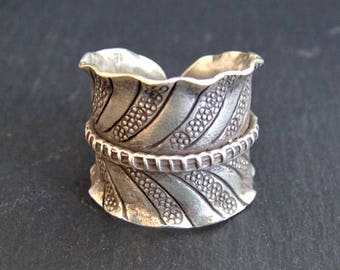 Silver ring. Ethnic Jewellery. Hill Tribe Silver Jewellery. Silver Ring 925. Silver jewellery. Ethnic ring. Ethnic Silver jewellery.
