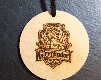 Harry Potter Hogwarts Gryffindor Sigil Logo Tag Token Decoration MDF Wood Wizard Birthday Gift